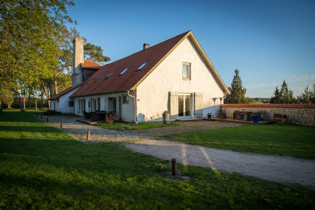 Dagen Haus guesthouse in spring