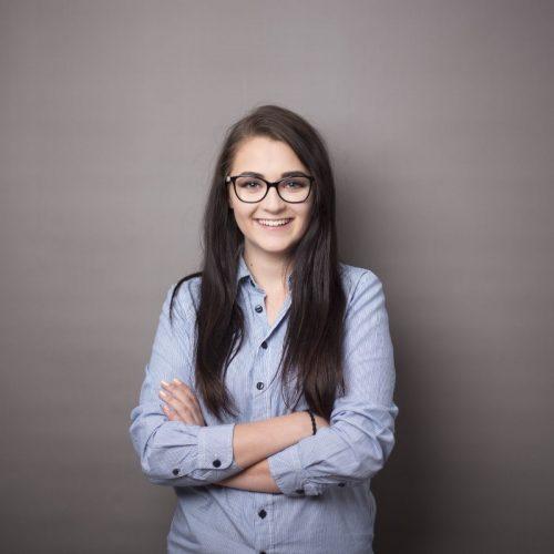 Girl with glasses in Dagen