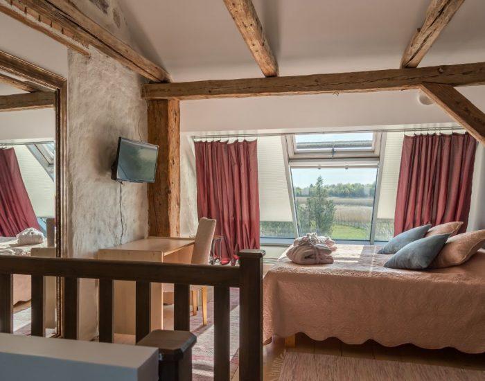 Premium-room2-1.jpg